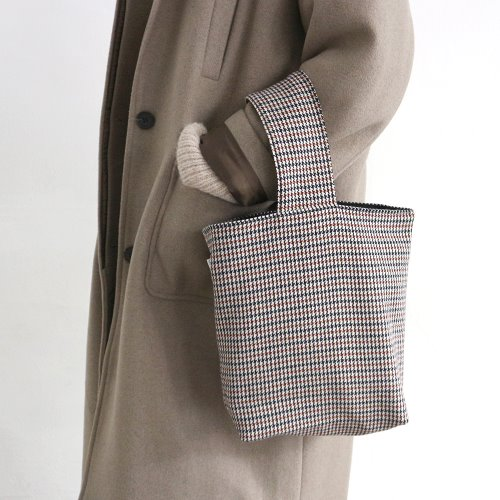 brown check totebag