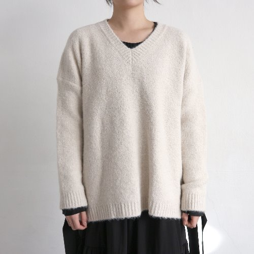 soft v neck knit _ ivory