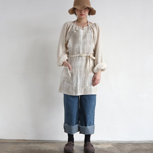 linen check short apron